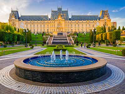Book flights from Cluj-Napoca to Iasi with Tarom