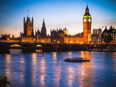 Cheap flights from Toronto to London with Icelandair